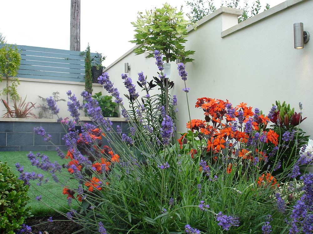 Contact Stroud Landscapers by Anderson Norman Landscapes customers
